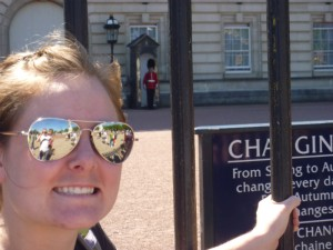 Christy and the guard at Buckingham Palace