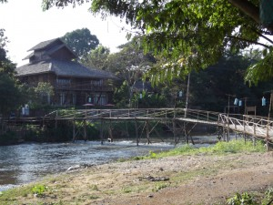 Bamboo bridge over the Pai river